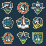 Insieme dei distintivi d'annata dell'astronauta e dello spazio royalty illustrazione gratis