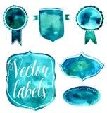 Insieme dei distintivi dell'acquerello e delle etichette verdi e blu illustrazione di stock