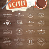 Insieme dei distintivi e delle etichette per caffè Fotografie Stock Libere da Diritti