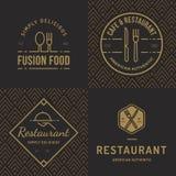 Insieme dei distintivi, insegna, etichette e logos per il ristorante dell'alimento, negozio di alimenti ed approvvigionamento con illustrazione di stock