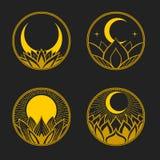Insieme dei distintivi rotondi con loto, la luna ed il sole Illustrazione disegnata a mano di vettore Immagine Stock