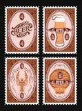 Insieme dei francobolli di vettore con vetro di birra, barile, aragosta Immagini Stock Libere da Diritti
