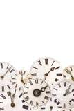 Insieme dei fronti di orologio d'annata isolati su bianco Fotografie Stock