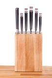 Insieme dei knifes della cucina isolati su bianco Immagine Stock