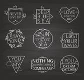 Insieme dei manifesti tipografici di citazioni, linea progettazione Fondo della lavagna Fotografie Stock Libere da Diritti