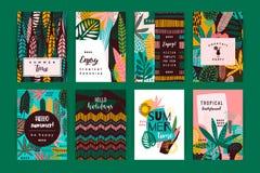 Insieme dei modelli creativi astratti con le foglie tropicali Fotografia Stock Libera da Diritti