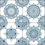 Insieme dei modelli senza cuciture dell'indaco in blu per le piastrelle per pavimento, raccolta ornamentale per ceramico lustrato illustrazione di stock