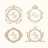 Insieme dei monogrammi floreali eleganti Immagine Stock