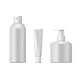 Insieme dei pacchetti cosmetici isolati su fondo bianco Fotografie Stock
