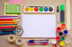 Insieme dei rifornimenti stazionari della scuola per scrittura creativa ed il disegno Immagini Stock Libere da Diritti