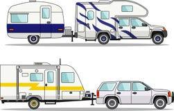 Insieme dei rimorchi di viaggio e dell'automobile su un bianco Fotografie Stock