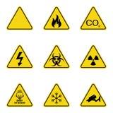 Insieme dei segnali di pericolo del triangolo Icona d'avvertimento del roadsign segno di Pericolo-avvertimento-attenzione Fondo g illustrazione vettoriale