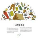Insieme dei simboli e delle icone di campeggio dell'attrezzatura di schizzo disegnato a mano Illustrazione di vettore Fotografia Stock Libera da Diritti