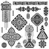 Insieme dei simboli indiani ornamentali Elefante etnico illustrazione di stock