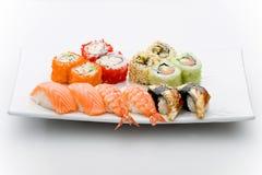 Insieme dei sushi differenti e dei tipi maky Immagini Stock Libere da Diritti
