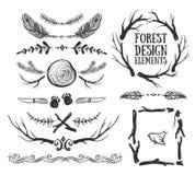 Insieme dei telai e dei divisori tribali disegnati a mano Forest Design illustrazione di stock