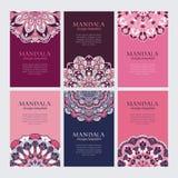 Insieme dei telai orientali decorativi viola e blu di rosa, per l'identità, il web e le stampe illustrazione vettoriale