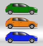 Insieme dei veicoli della famiglia dei colori differenti illustrazione vettoriale