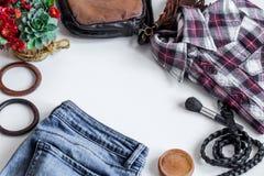 insieme dei vestiti delle donne, accessori Fotografia Stock Libera da Diritti