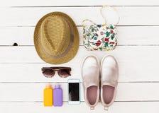 Insieme dei vestiti di estate Fotografie Stock Libere da Diritti