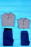 Insieme dei vestiti di marca per i ragazzi Immagini Stock