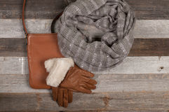 Insieme dei vestiti e dei regali di Natale di inverno Fotografia Stock Libera da Diritti