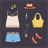 Insieme dei vestiti - illustrazione piana dell'attrezzatura di stile casuale delle donne di vettore Fotografie Stock Libere da Diritti