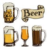 Insieme dei vetri disegnati a mano di birra Fotografia Stock Libera da Diritti