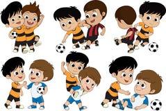 Insieme del bambino sveglio giocato a calcio con gli amici Immagini Stock