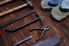 Insieme del  di Ð degli strumenti e degli strumenti su fondo di legno Immagine Stock Libera da Diritti