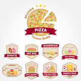 Insieme del distintivo d'annata degli alimenti a rapida preparazione, emblema di logo o dell'insegna illustrazione di stock