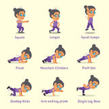 Insieme del fumetto della donna anziana che fa gli esercizi per salute e forma fisica Immagini Stock