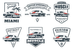 Insieme del logo classico, degli emblemi, dei distintivi e delle icone dell'automobile del muscolo illustrazione vettoriale
