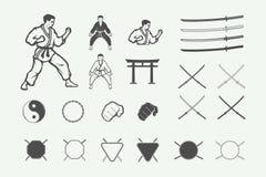 Insieme del logo d'annata di arti marziali o di karatè, emblema, distintivo, etichetta illustrazione vettoriale