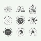 Insieme del logo d'annata di arti marziali o di karatè, emblema, distintivo, etichetta illustrazione di stock