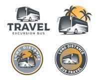 Insieme del logo, degli emblemi e dei distintivi del bus turistico isolati sulle sedere bianche Fotografia Stock
