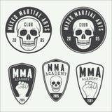 Insieme del logo misto d'annata, dei distintivi e degli emblemi di arti marziali Immagini Stock Libere da Diritti
