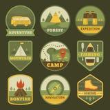 Insieme del logos di campeggio dell'annata Immagine Stock