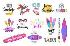 Insieme del logos di estate, etichette, autoadesivi illustrazione di stock