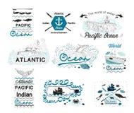 Insieme del logos nautico d'annata e degli elementi delle etichette per progettazione Immagini Stock