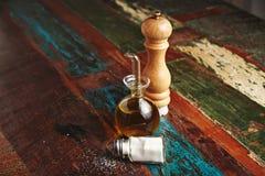 Insieme del pepe, del sale e dell'olio d'oliva Fotografia Stock Libera da Diritti