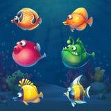 Insieme del pesce divertente del fumetto in mondo subacqueo royalty illustrazione gratis