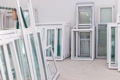 Insieme del PVC Windows in una fabbrica Interrior immagini stock libere da diritti
