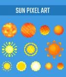Insieme del sole del pixel su fondo blu Immagine Stock Libera da Diritti