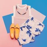 Insieme dell'abbigliamento di signora Stile di estate della vaniglia Immagini Stock Libere da Diritti