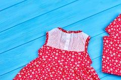 Insieme dell'abito di estate della neonata Immagine Stock Libera da Diritti