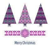 Insieme dell'albero di Natale Carta di natale con gli alberi ornamentali stilizzati Immagine Stock