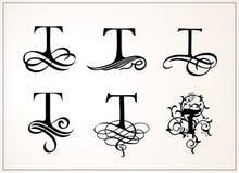 insieme dell'annata Lettera maiuscola T per i monogrammi ed il logos Bella fonte a filigrana Stile vittoriano Fotografie Stock