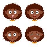 Insieme dell'espressione del fronte spaventata ragazza africana isolato su bianco illustrazione di stock