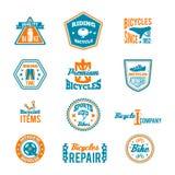 Insieme dell'etichetta andante in bicicletta illustrazione di stock